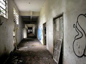 Resultado de imagem para hospital abandonado cambé