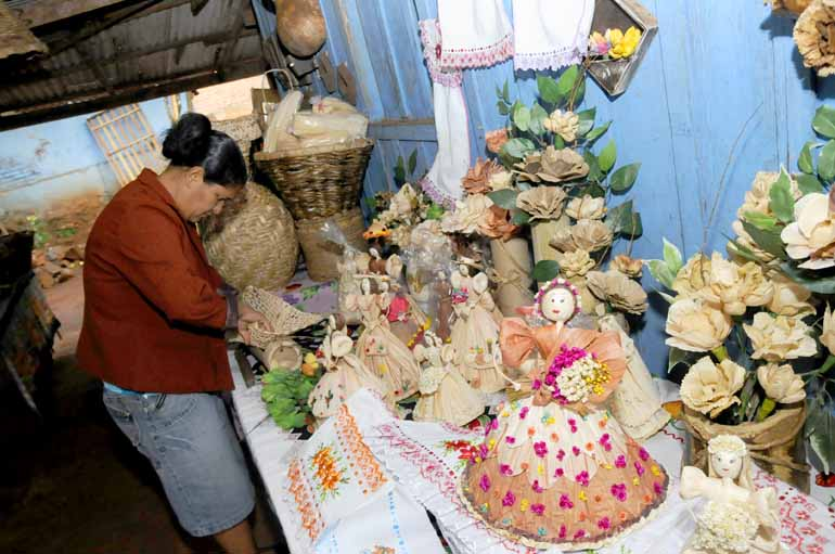 Aparador Hermes Dicoro ~ Mulheres do Selva realizam feira de artesanato Folha de Londrina O Jornal do Paraná Brasil