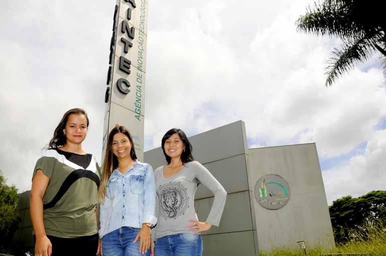 Saulo Ohara - Gabriela Vieira Silva, Karina Lima Milani e Mariane Okimoto têm projetos incubados na Agência de Inovação da Universidade Estadual de Londrina