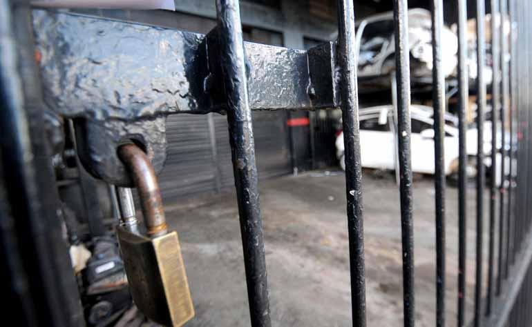 Ricardo Chicarelli - Polícia Civil deve solicitar interdição de ferro-velho que comercializaria peças de origem ilícita