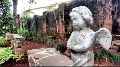 Resultado de imagem para o cemiterio alemao de rolandia