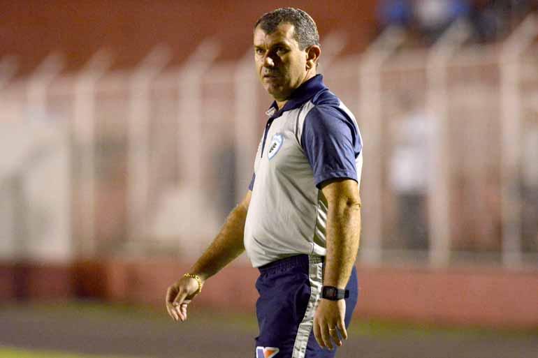 Divulgação/Londrina Esporte Clube - Tencati projeta que com mais três pontos nas últimas três rodadas o Tubarão se classifica entre os quatro primeiros