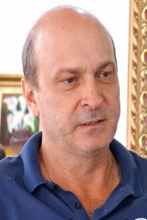 Já Luiz Fernando Dolenz mantém a expectativa da reeleição, mesmo admitindo dificuldades em concluir mandato por falta de apoio dos vereadores