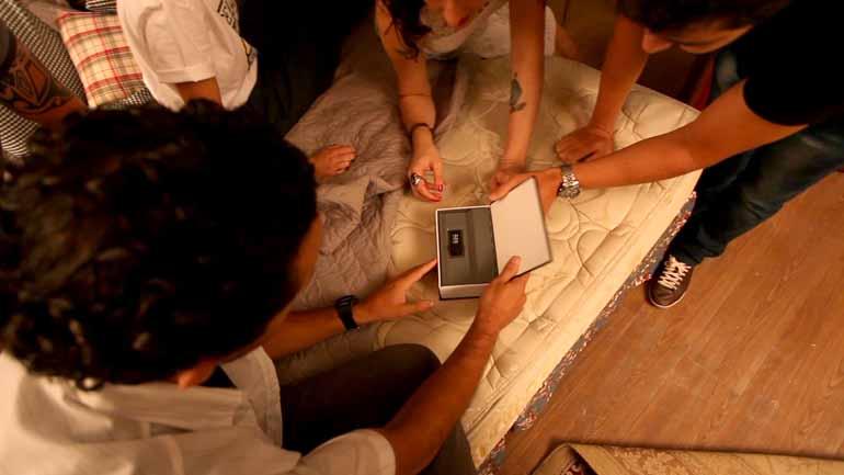 Divulgação - Em uma das salas do Escape Time, os participantes precisam fugir de um quarto de hotel