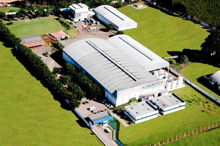 Divulgação - Com sede em Arapongas, indústria de tintas ampliou atividades e projeta alta de 15% no faturamento este ano