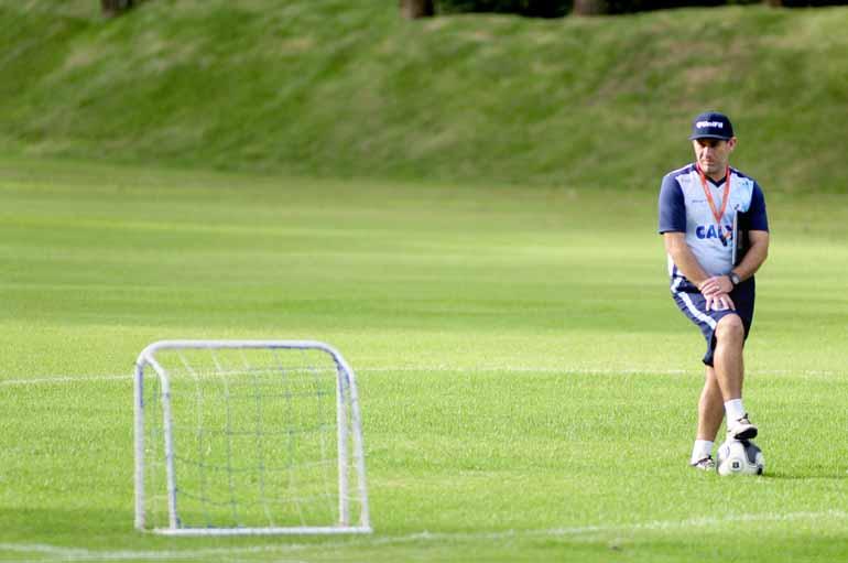 Marcos Zanutto - Tencati revela que irá usar o vídeo da goleada por 4 a 1 na preleção para os jogadores e pede o apoio da torcida