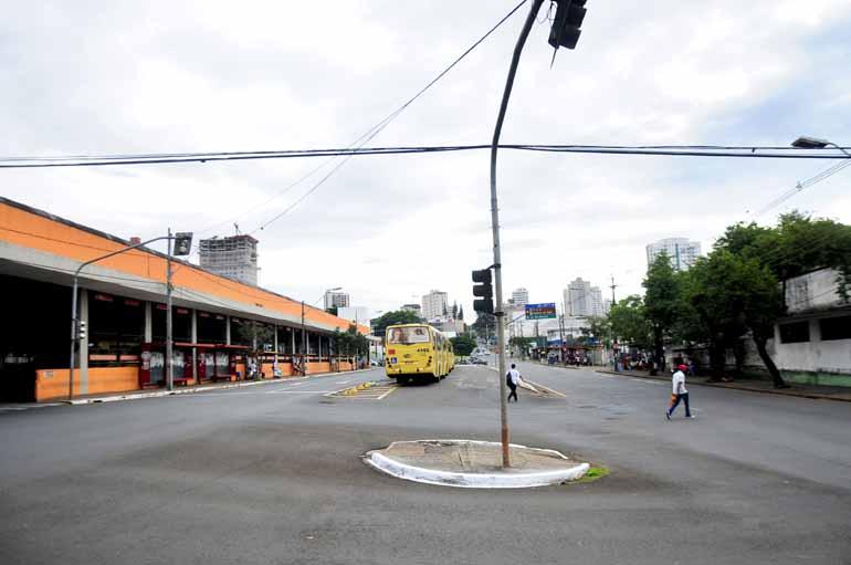 Marcos Zanutto - Concentração dos grevistas está marcada para as 10 horas na Avenida Leste-Oeste, em frente ao Terminal Urbano