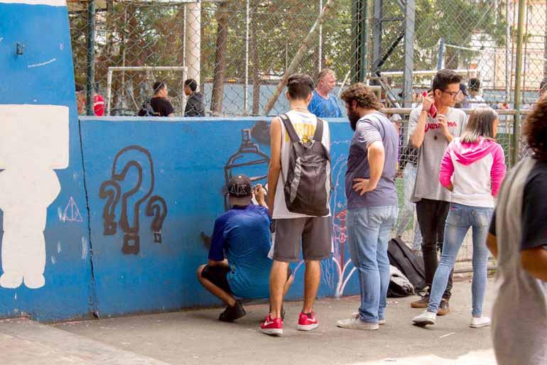 Grafite na Escola Municipal Esmeralda Duarte da Silva, Severínea (SP): alunos sintonizados com a arte urbana