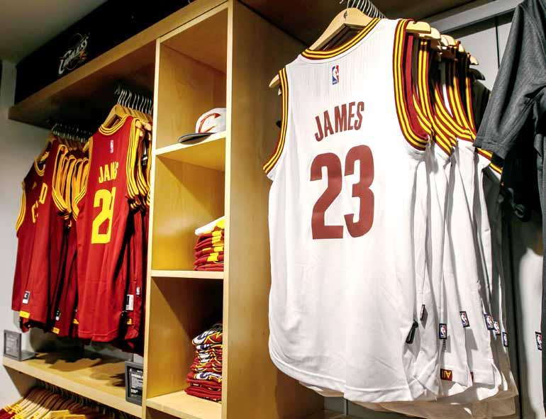 Shutterstock - Próxima temporada será a primeira da história da NBA em que as equipes terão marcas estampadas nos uniformes