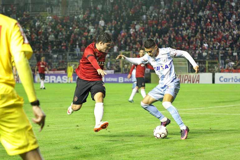 Jonathan Silva/GEB - LEC conseguiu a reabilitação, fora de casa, e volta ao Estádio do Café apenas no dia 27 contra o Luverdense