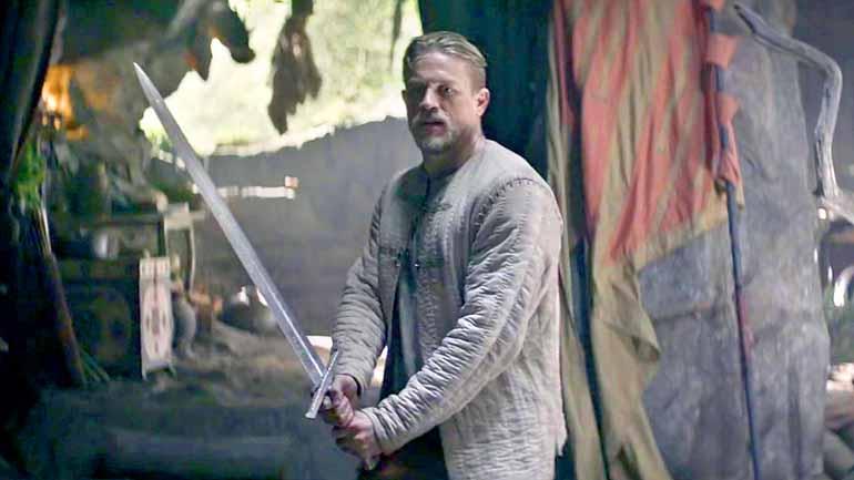 Divulgação - Rei Arthur: filme que custou 150 milhões de dólares, fora o gasto com  o lançamento, não tem méritos artísticos