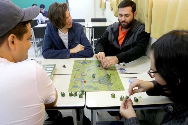 O evento Board Games, que reúne alunos e pessoas da comunidade externa,  é realizado todos os meses