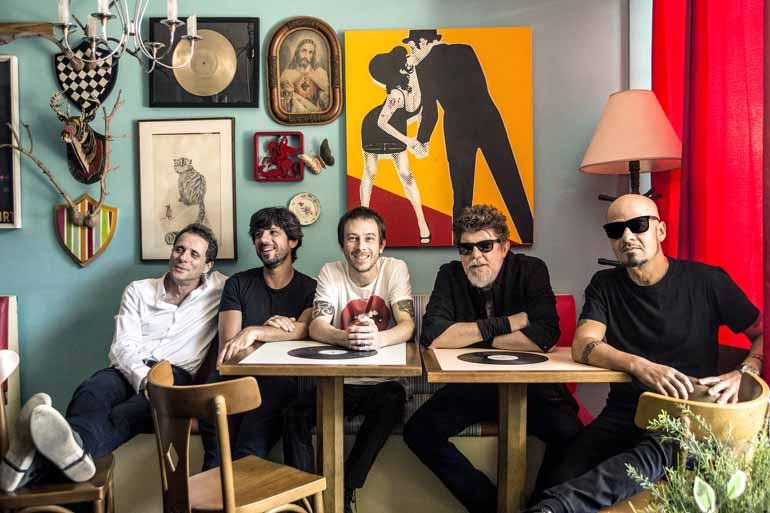 Divulgação - Titãs: banda agora conta com a entrada do baterista Mario Fabre e do guitarrista Beto Lee