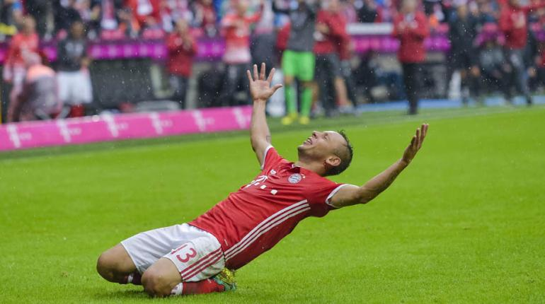 AFP - Multicampeão pelo Bayern, Rafinha voltará a vestir a camisa da seleção após abrir mão da amarelinha quando Dunga era o treinador
