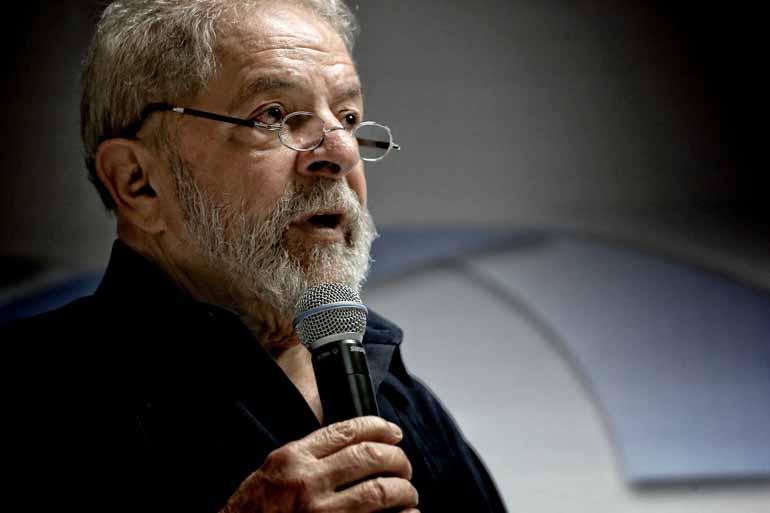 Resultado de imagem para Lula diz que dinheiro na conta é culpa da mão invisível do mercado