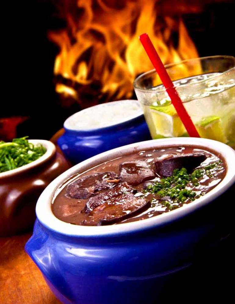 Fotos: Shutterstock - Feijoada: embora seja considerado um prato tipicamente brasileiro, a receita tem origens remotas e foi sendo adaptada