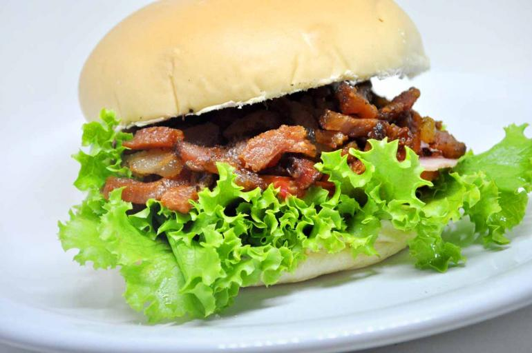 Luiz de Paula/ Divulgação - X-Bacon do Zé Lanches: sabor reconhecido pela clientela