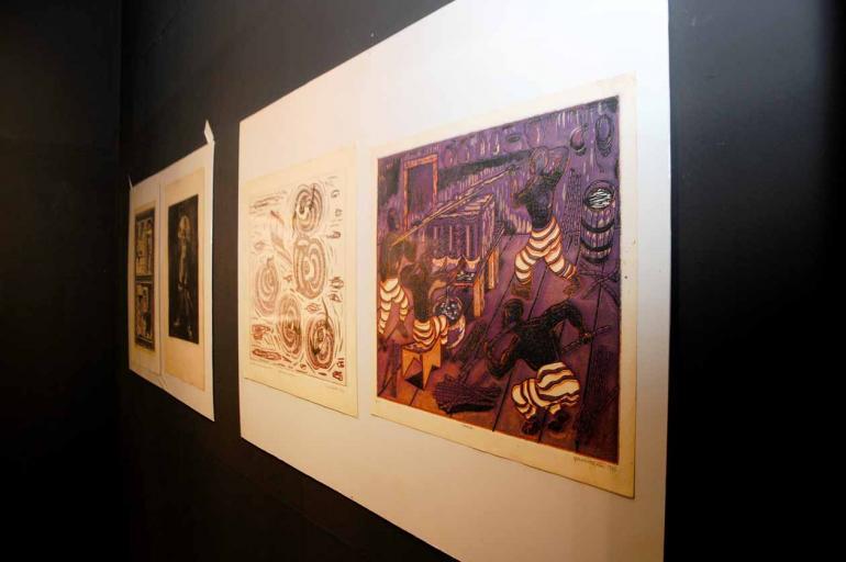 Fotos: Anderson Coelho - Exposição com 40 gravuras de Paulo Menten traz recortes de séries importantes como