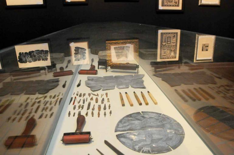 Ferramentas e objetos pessoais de Menten também integram a exposição