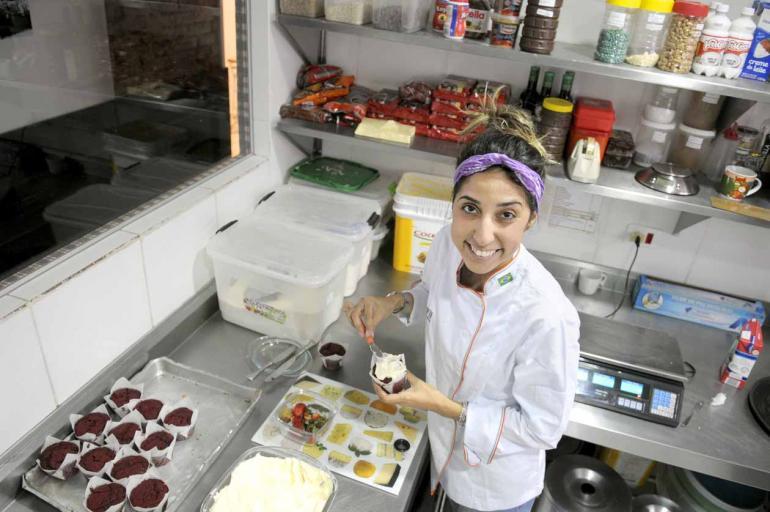 Ricardo Chicarelli - A estudante de gastronomia Larissa Salles, 22, costuma fazer cursos de férias na sua área: