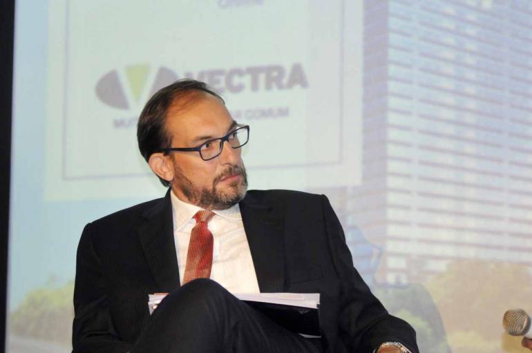 Saulo Ohara - 22-03-2017 - O escritório do advogado Marlus Arns de Oliveira tem vinte pessoas trabalhando em casos da operação Lava Jato