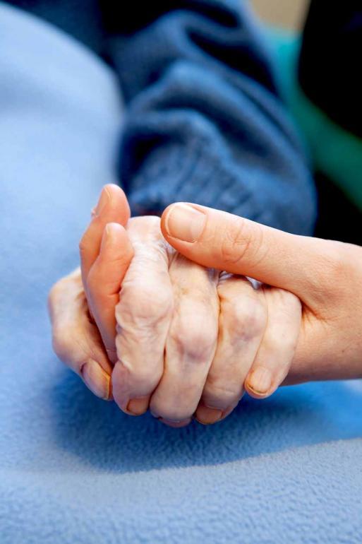 Shutterstock - Objetivo dos cuidados paliativos é amenizar a dor e o sofrimento de pacientes terminais e de suas famílias