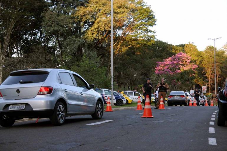 Gustavo Carneiro - Na operação, 15 veículos em situação irregular foram apreendidos e um adolescente foi encaminhado às autoridades competentes