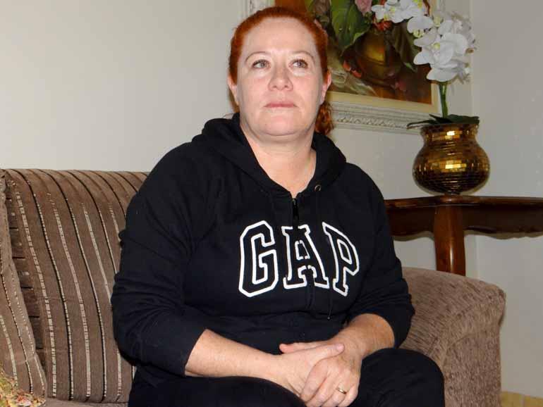Adriana de Oliveira afirma que apenas questionou o reajuste, e defende a decisão do marido em assumir posto na Prefeitura