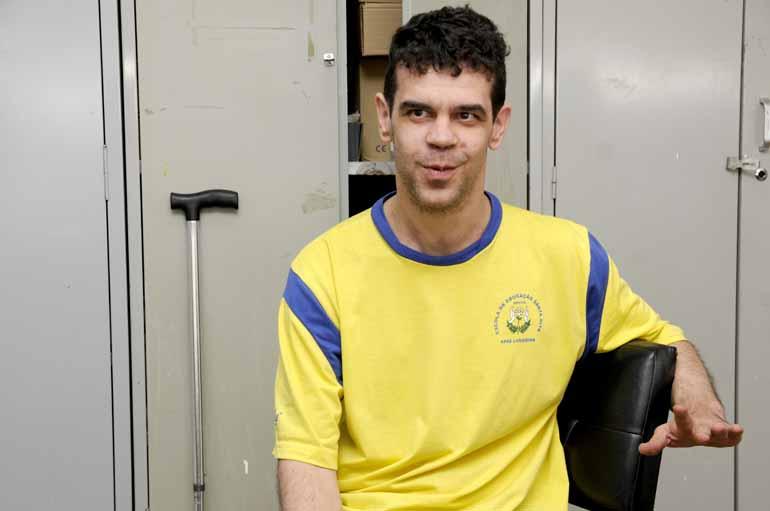 Gabriel Teixeira Chiquitano está na Apae há 16 anos.