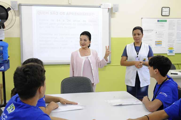 Gina Mardones - A empresária Kimiko Yoshii, presidente da Guarda Mirim: formando bons cidadãos