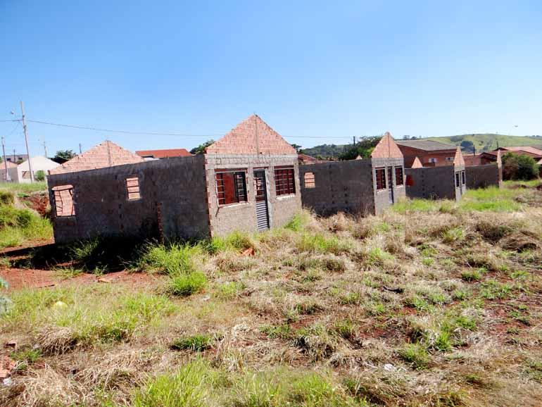 Luiz Guilherme Bannwart/Divulgação - Obras no Conjunto Habitacional Álvaro de Abreu foram iniciadas em 2014; acordo entre município e famílias impediu ocupação das casas