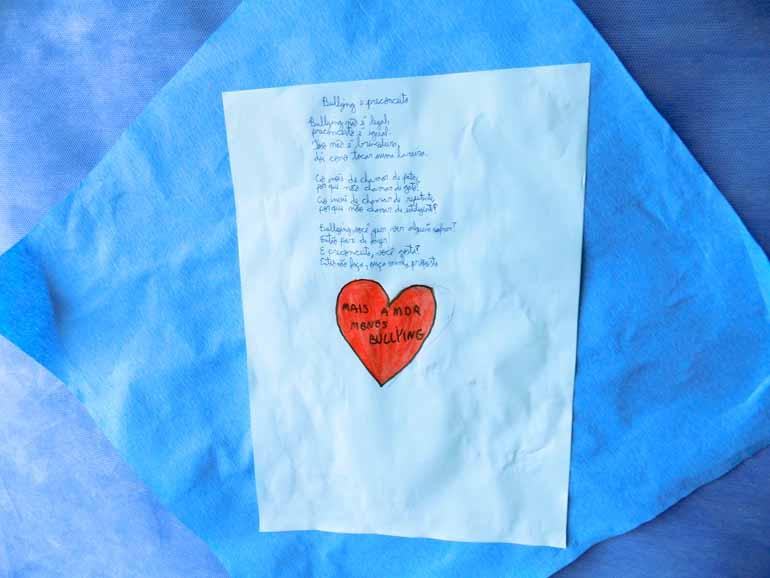 Poemas criados pelos alunos a partir do projeto de Letramento que leva em consideração vários gêneros e linguagens