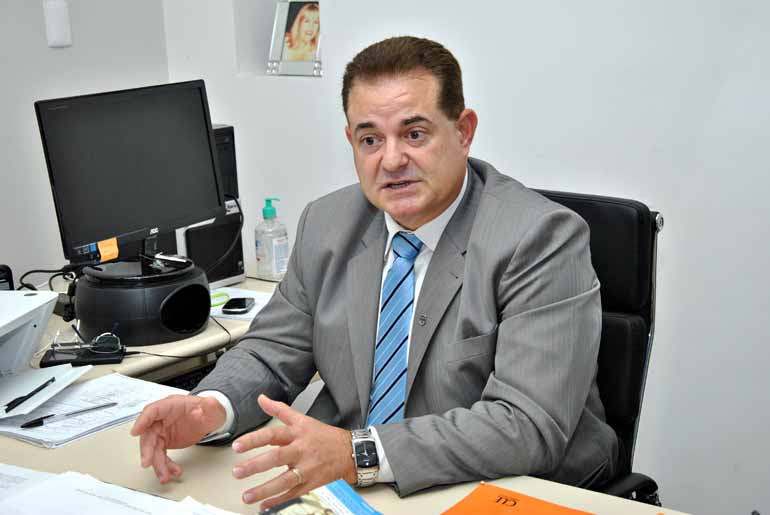 Luiz Guilherme Bannwart - Conforme o delegado chefe da 12ª Subdivisão Policial de Jacarezinho, Amir Roberto Salmen, as 11 cadeias ligadas à subdivisão estão superlotadas