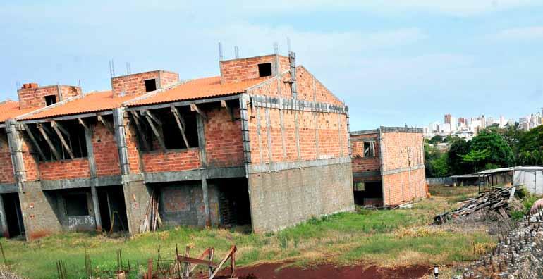 Marcos Zanutto/19-09-2014 - Gaeco identificou 234 vítimas em 10 empreendimentos em construção
