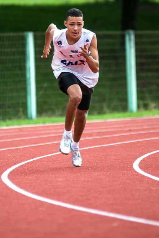 Pedro Tombolim, de Cornélio Procópio, venceu a prova dos 800 metros