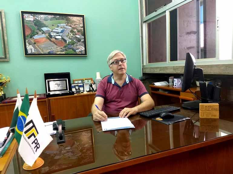 Rúbia Pimenta - Márcio Jacometti, diretor do campus: planos para implantar mais  dois cursos