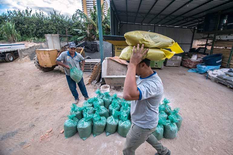 Ricardo Chicarelli - Para sobreviver ao período de crise, empresa de Londrina apostou na diversificação do mix e na oferta de produtos ensacados