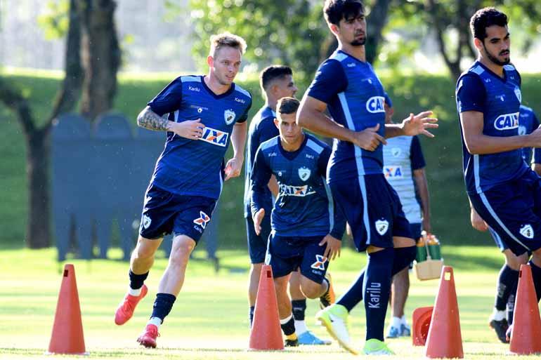 04ef70ea24 Gustavo Oliveira  a href   tags londrina-esporte-clube