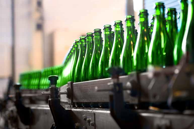 Shutterstock - O setor de Bebidas, com incremento de 40,7%, puxou a alta na produção da indústria paranaense