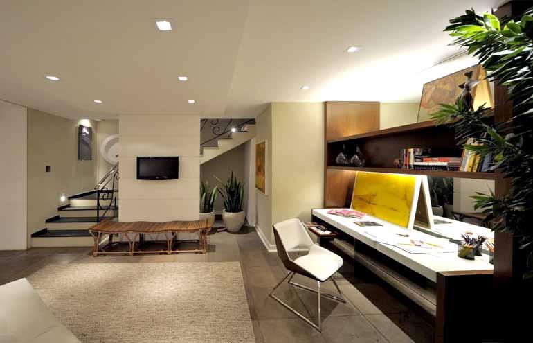 Fábio Pitrez/Divulgação/Chris Brasil Arquitetura - Vale a pena procurar a ajuda de um profissional para planejar o home office e personalizar o próprio escritório