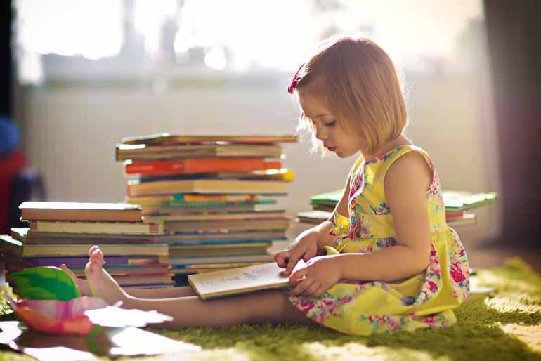 Shutterstock - Atualmente, as imagens presentes nos livros devem ser entendidas também como um código de escrita