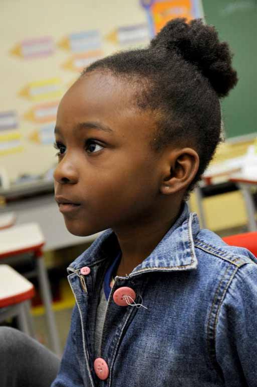 Fotos: Saulo Ohara - Christie Nastassja Immacula André, de 6 anos, diz que tenta ajudar também a mãe a falar português: 'Mas tem horas que eu esqueço algumas palavras'