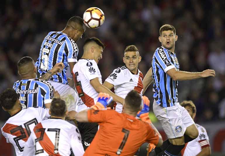 Juan Mabromata AFP - Time argentino ainda não perdeu jogando como visitante  nesta Libertadores f4cffacda93fb