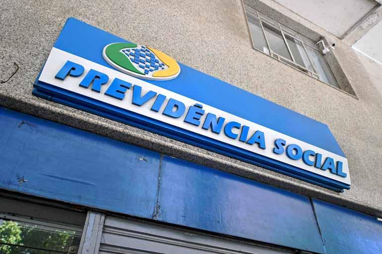 Carl de Souza/AFP - Advogados que atuam na área previdenciária consideram dura a proposta de reforma da Previdência apresentada pelo governo