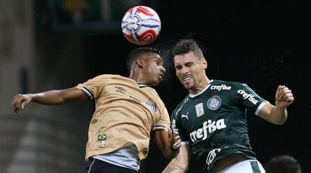 ad3191b53b Palmeiras e Santos empatam sem gols e decepcionam no Allianz Parque ...