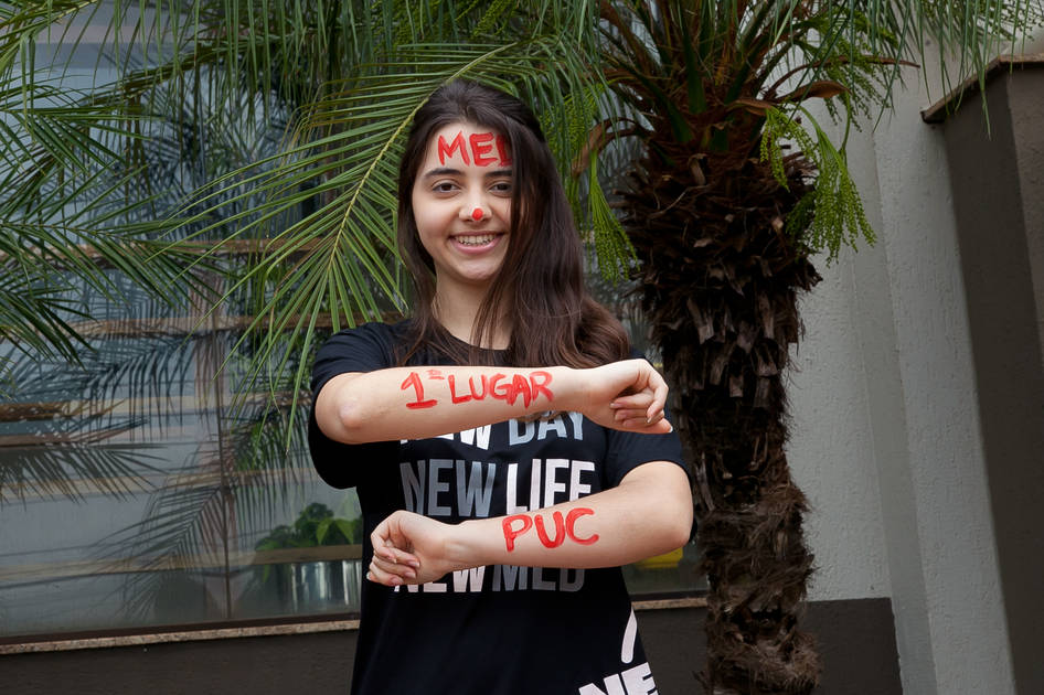Primeiro lugar para Giuliana Oswaldo Militão - Folha de Londrina