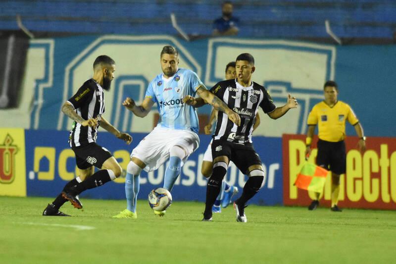 Londrina e Figueirense lutam na justiça para se manterem na série B