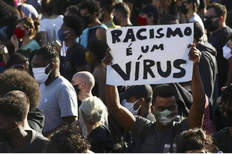 Ato em SP contra Bolsonaro contou com protestos antirracistas