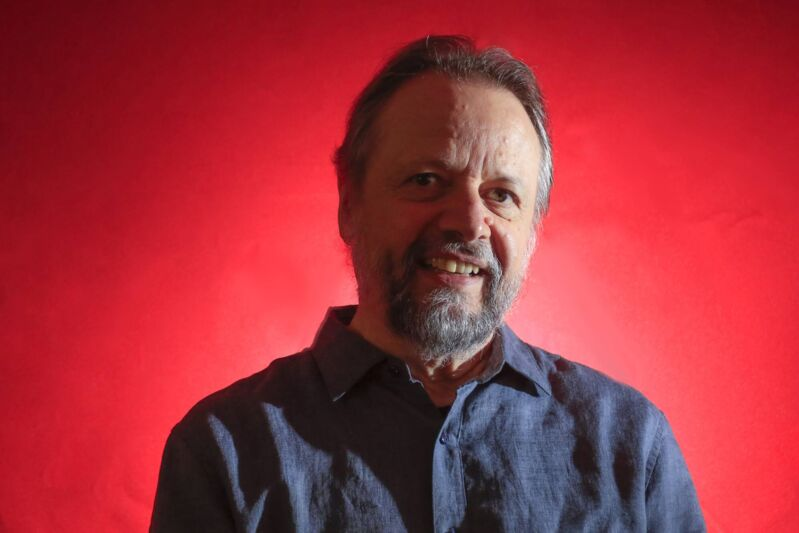 """Cristovão Tezza concorre na categoria romance com """"A Tensão Superficial do Tempo"""""""
