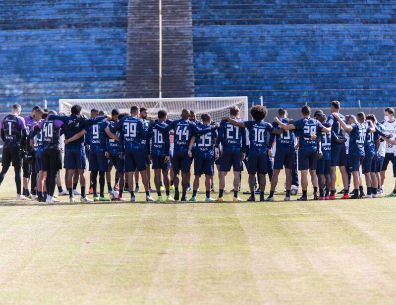 O grupo do Londrina precisa focar na melhoria do desempenho para fugir do rebaixamento.